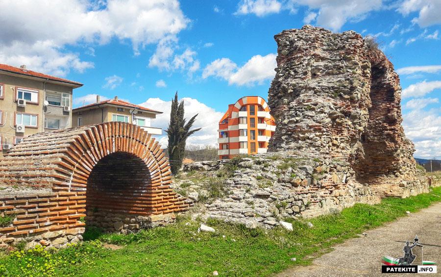 Хисаря крепостна стена