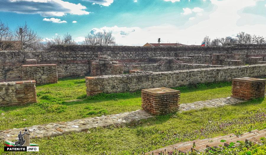 Хисаря - римски казарми