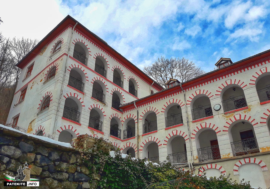 Сгради в Драгалевският манастир