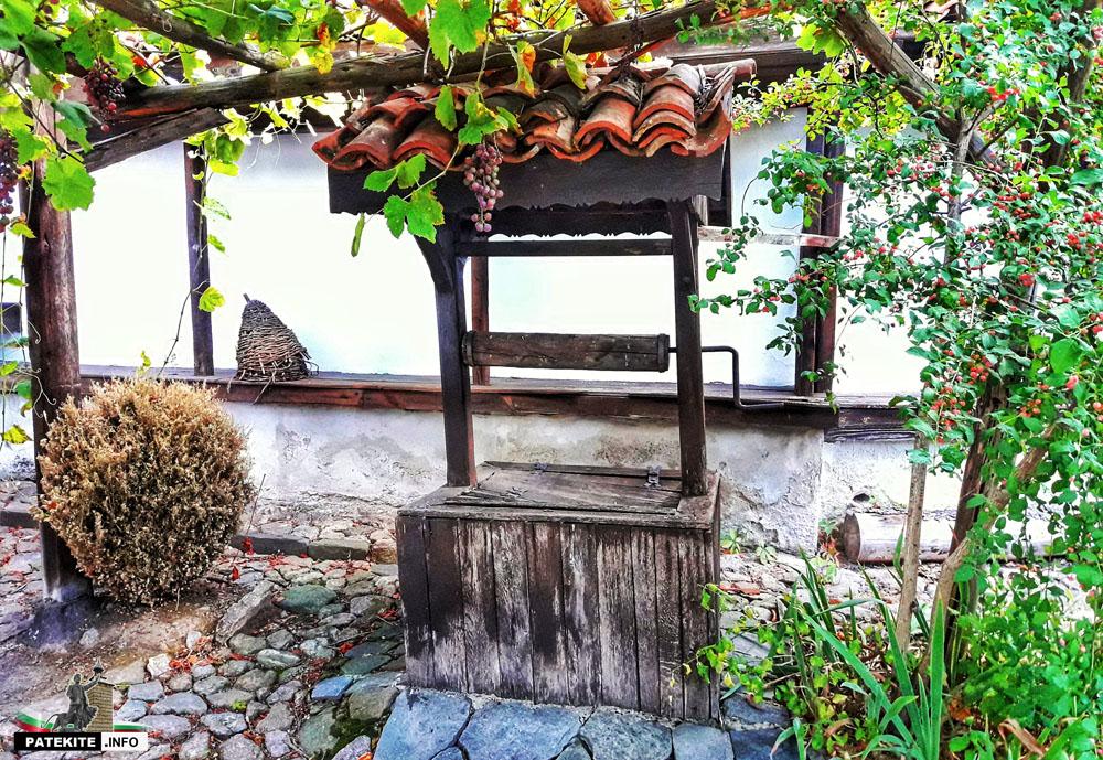 Кладенецът в Козинаровата къща