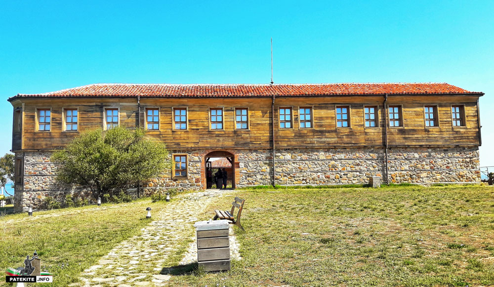 Манастир на остров Света Анастасия