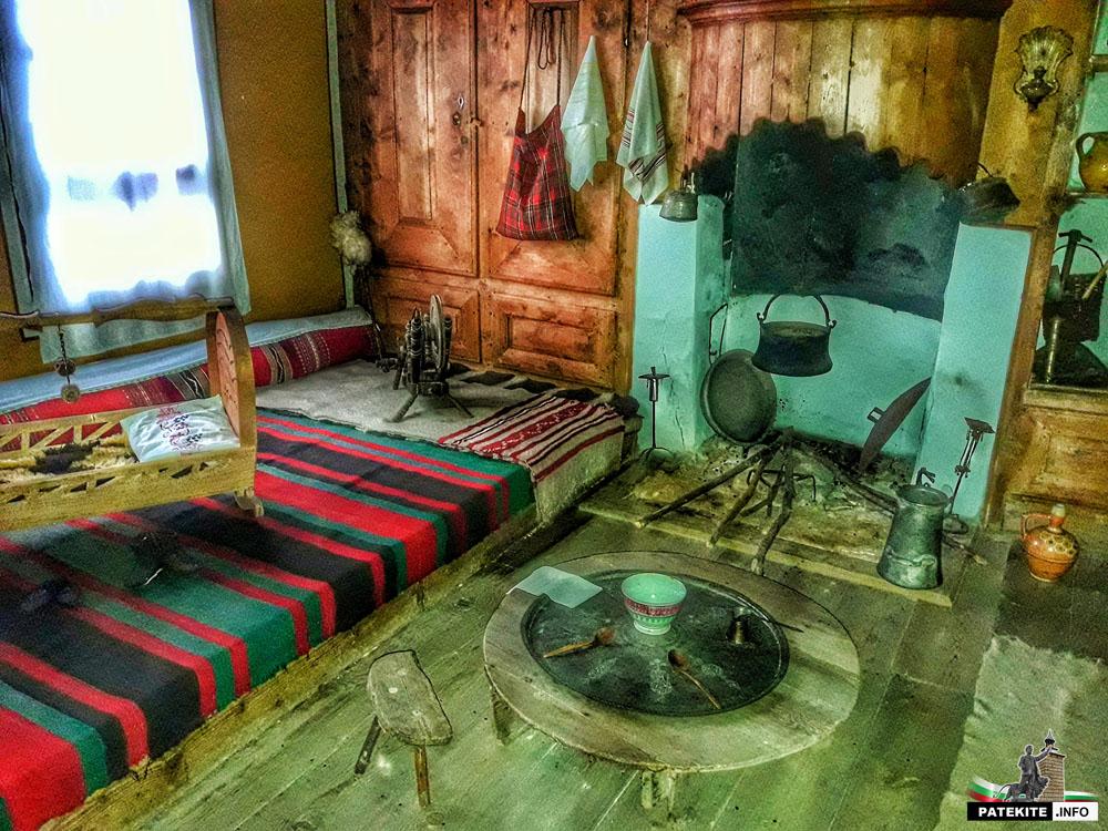 Стая в Павурджиевата къща в Клисура