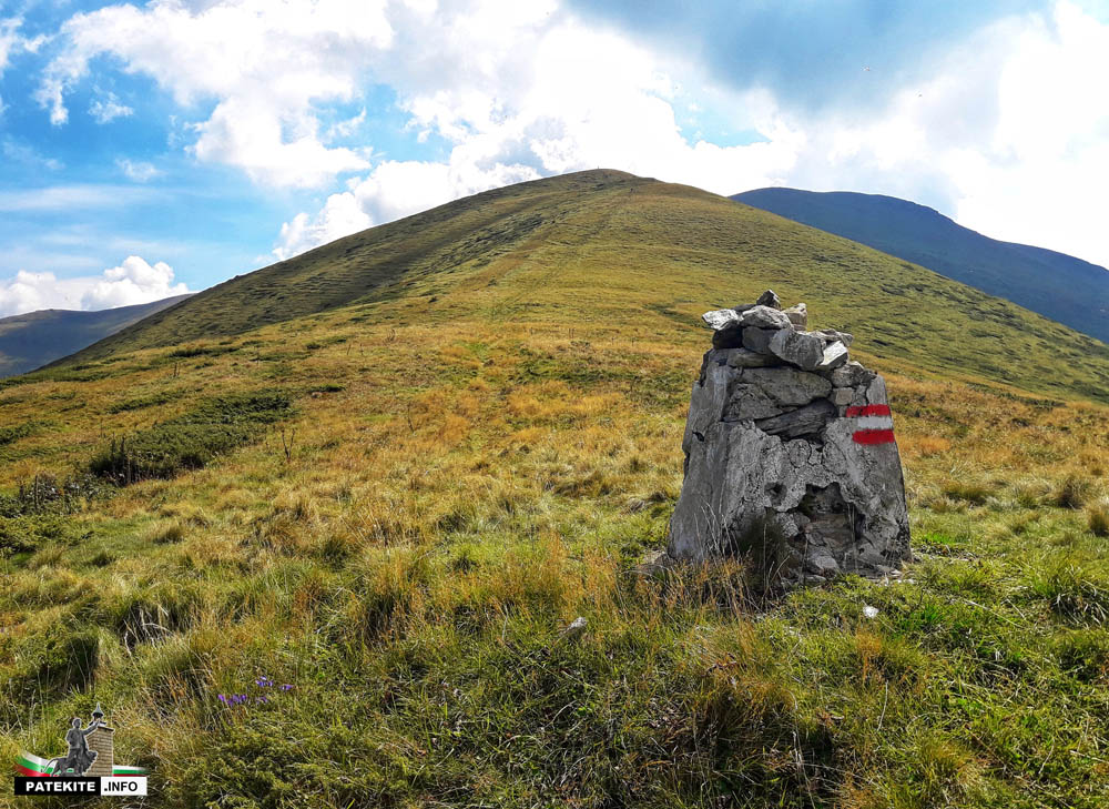 Гранична пирамида на връх Миджур