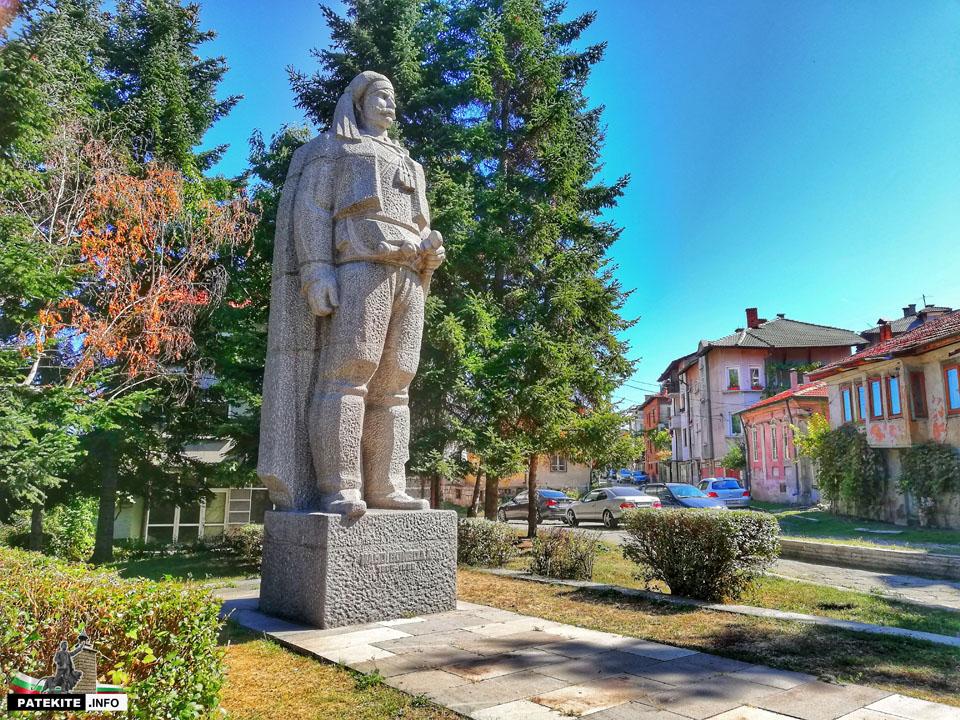 Паметник на Ильо войводав Кюстендил