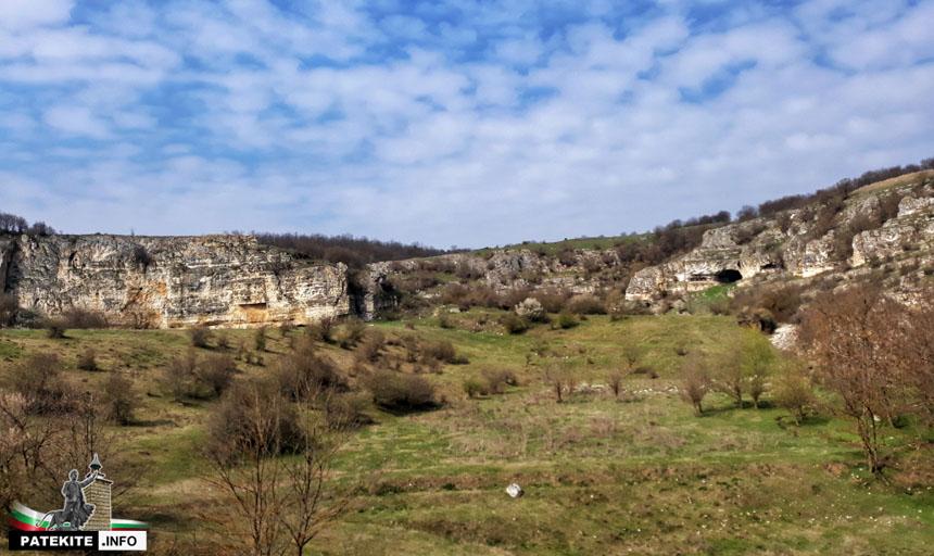 Скални манастири до Оногур