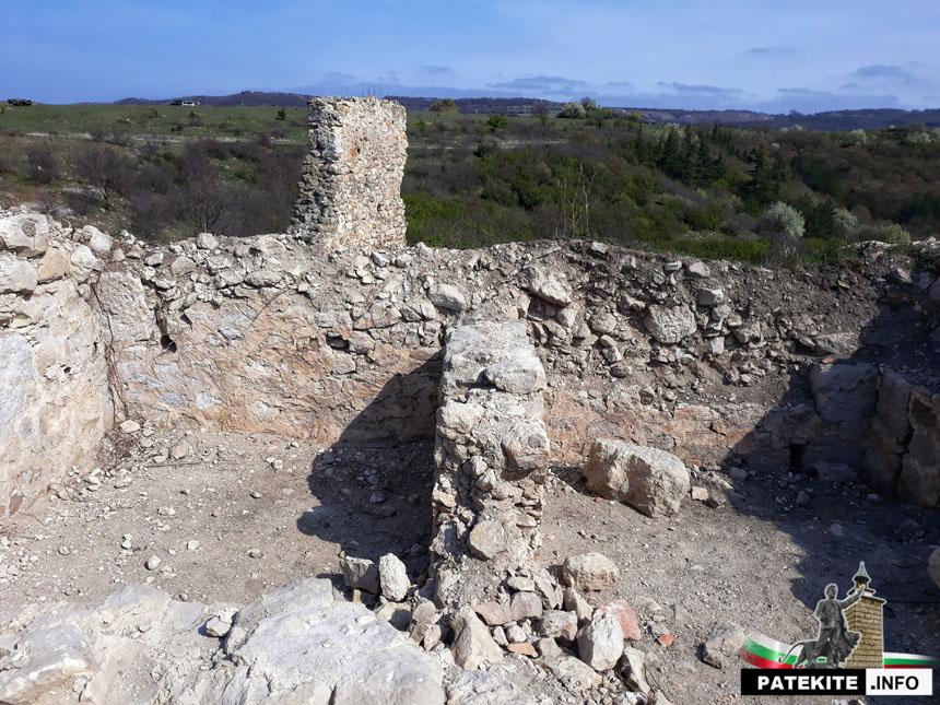 Петрич кале - сгради