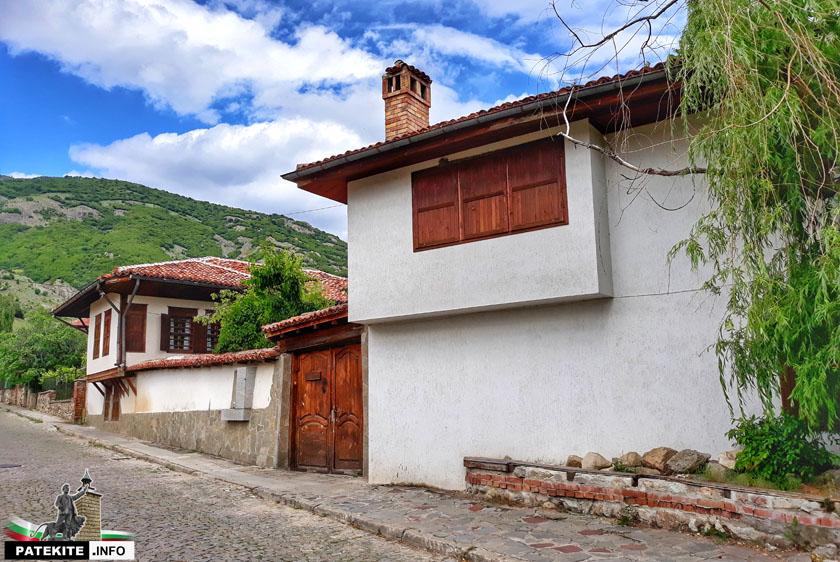 Стари къщи в Сопот