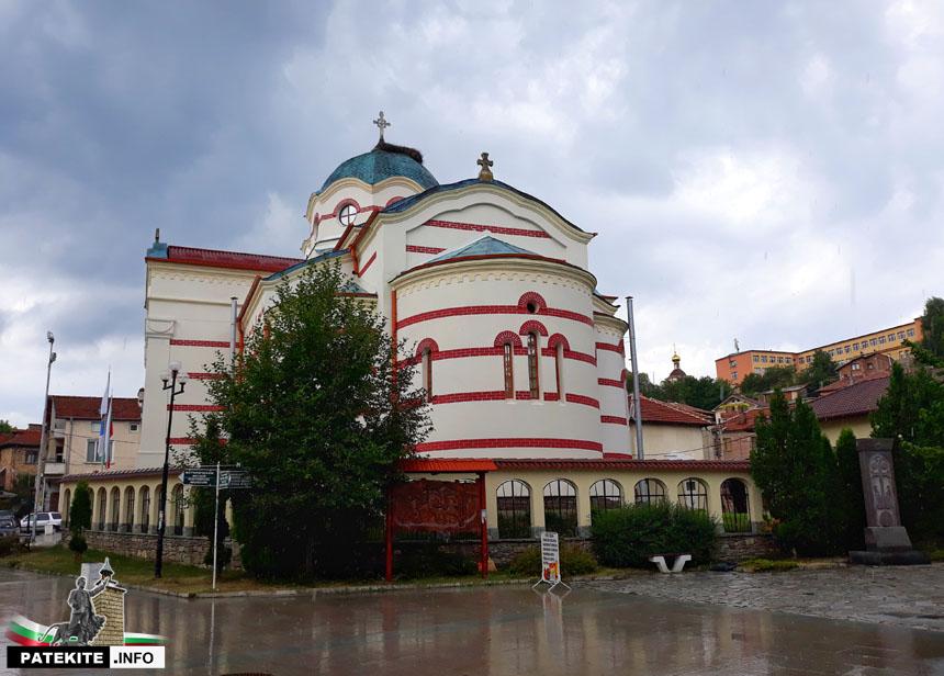 "Църква ""Успение Богородично"" в Батак"