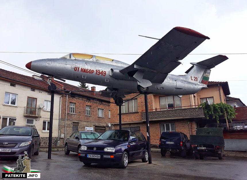 Самолет Батак