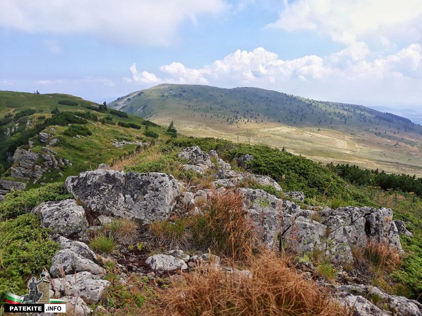 Гледката от връх Среден КОм