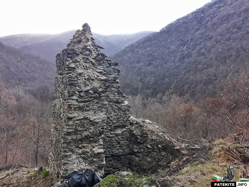 Кулата на крепост Урвич край Кокаляне