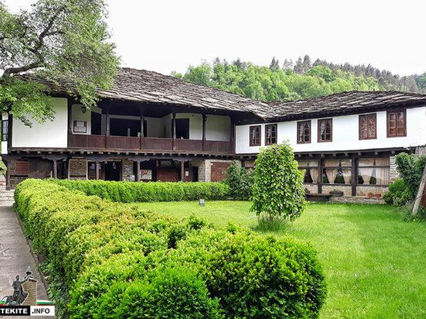 Музей за резбарско изкуство в Трявна