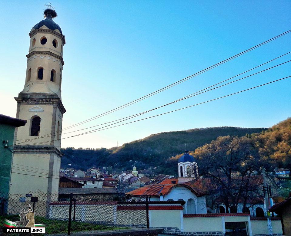 Камбанарията в Брацигово