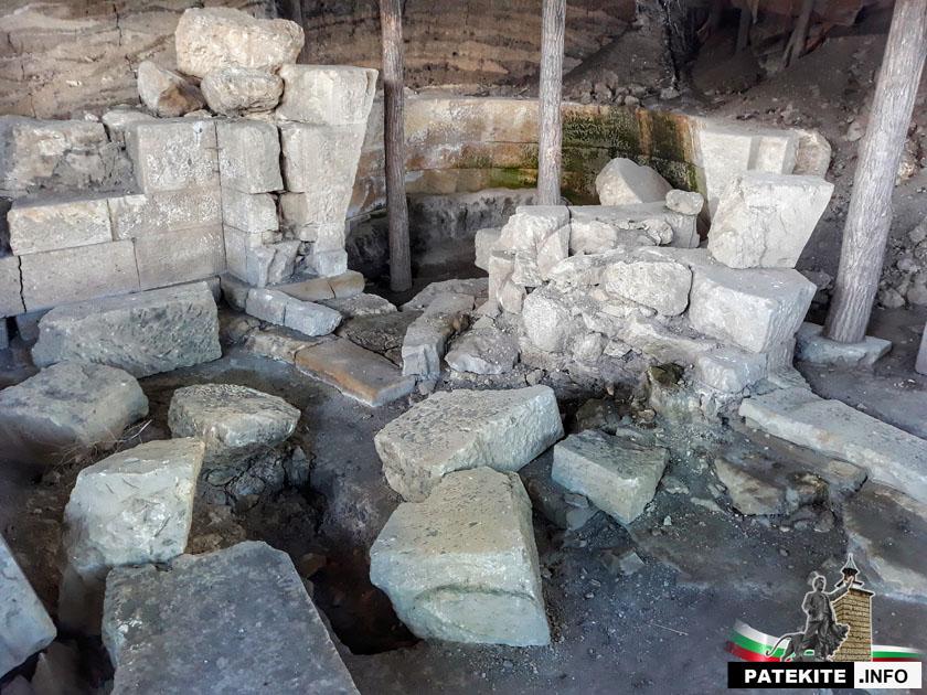 Гагово гробница