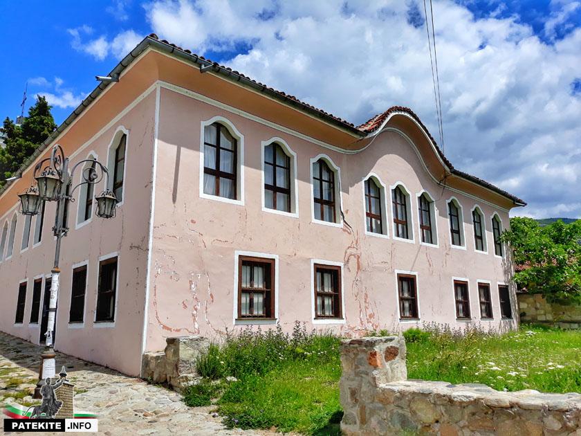 Радиното училище в Сопот