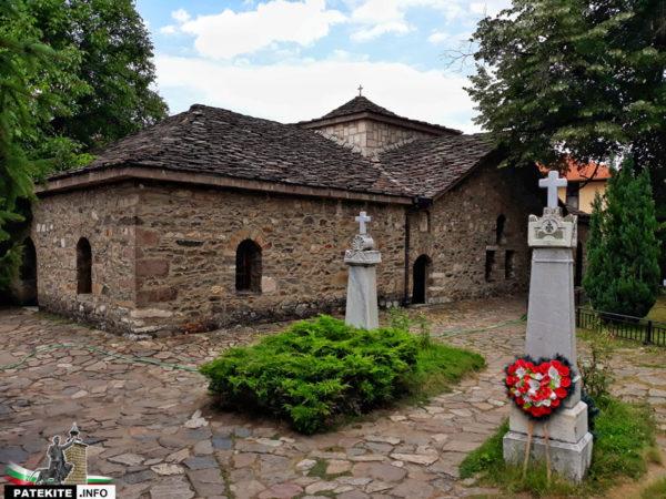 """Църква """"Света Неделя"""" в Батак"""
