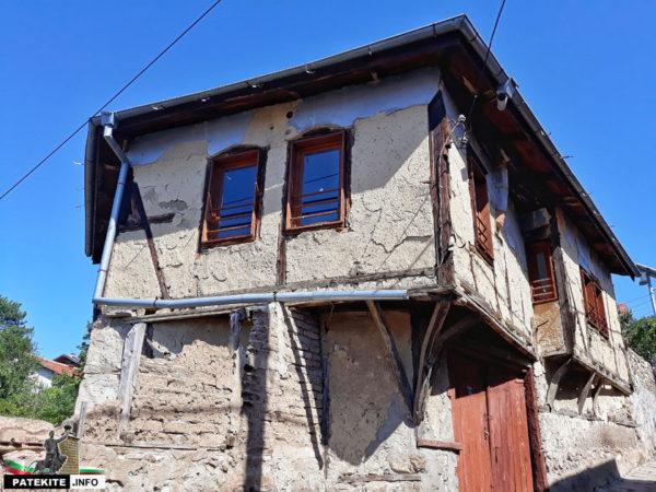 Перущица стара къща