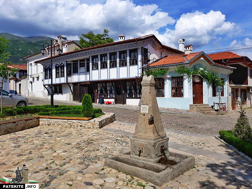 Бухаловият хан в Карлово