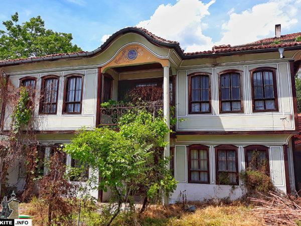 Къща в Старинно Карлово