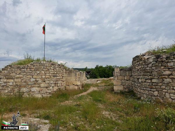 Крепостната порта на Мисионис